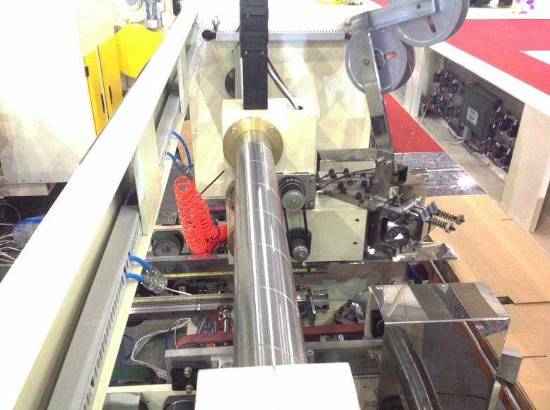 Полуавтоматическая двухголовочная сшивка гофрокоробов DX-S3000