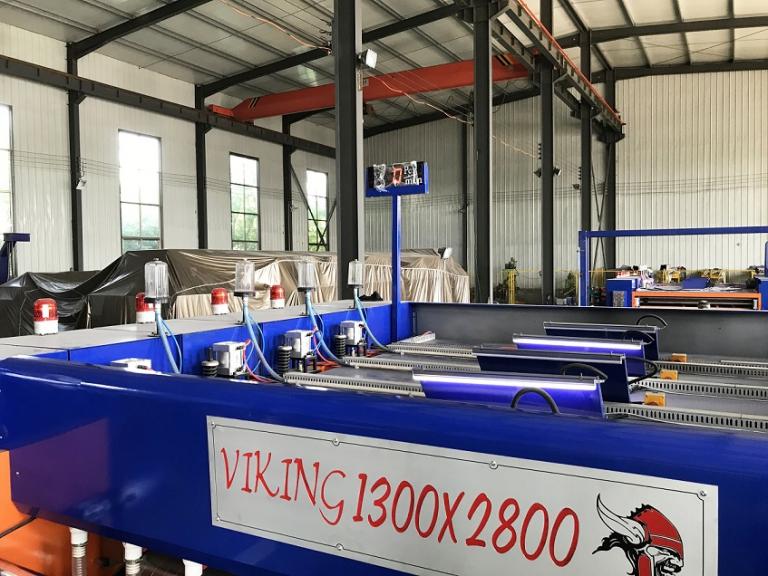 Компьютеризированная автоматическая линия для производства гофрокоробов VIKING